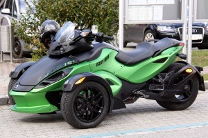 Can-Am_Spyder_RSS_03-300x200