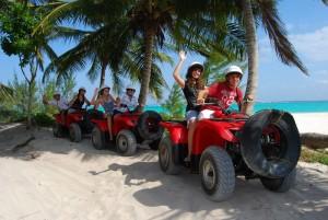 the-4-best-ways-to-get-around-cancun1